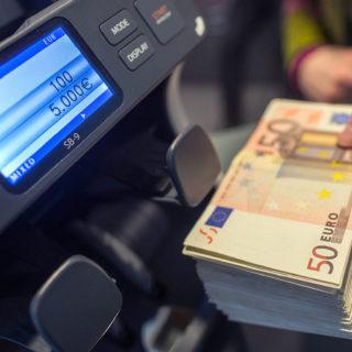 Валютный контроль в Точка Банке