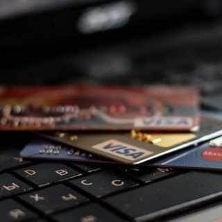 9 лучших кредитных карт с бесплатным обслуживанием